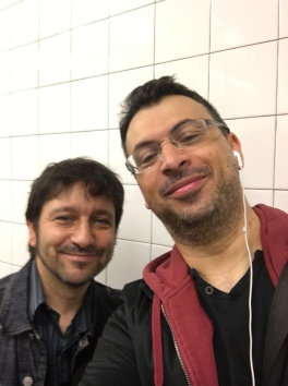 It started the FIRST day… In the subway! On my way to NYCC, I bump into my friend Julian Voloj (writer of Ghetto Brother)! Great start